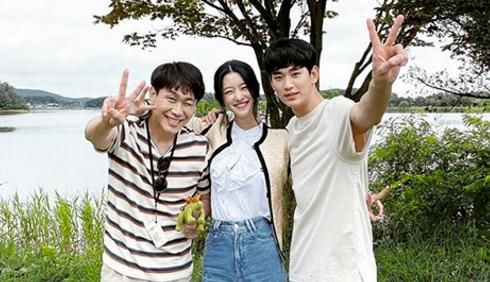 KIM SOO HYUN Says Goodbye To