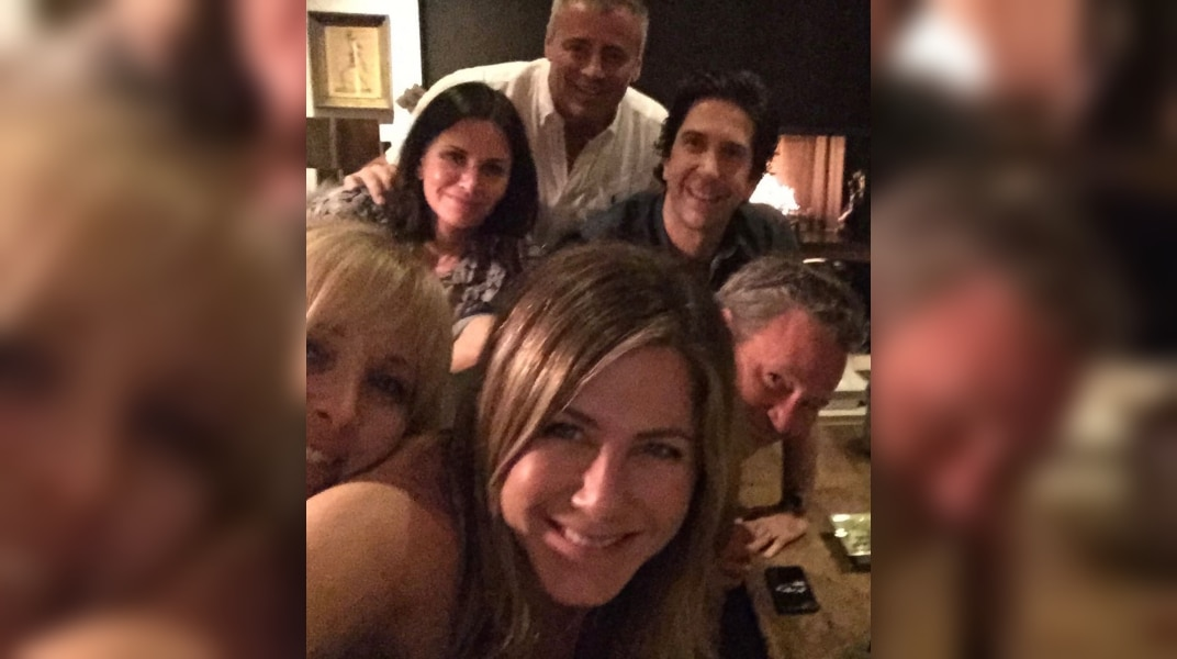 'Friends' Cast Confirms Reunion We've All Been Waiting For